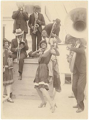 Hood Collection part II : [Bands: dance, jazz, brass, popular, orchestras, etc.]