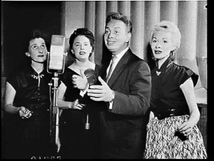Mel Torme and the Consulaires on the Ford Show
