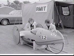 Shell Australian Mileage Marathon 1982 (winner travelling the furthest on 1 gallon of petrol ?) for ultralight motor vehicles, Amaroo Park