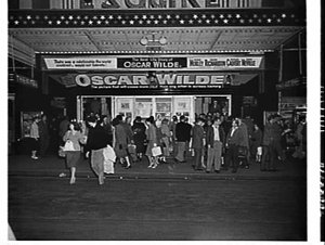 Exterior of Esquire Theatre, 1960, advertising the film Oscar Wilde