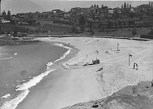 Bondi beach Gletrac cleaner