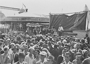 Crowds outside the sideshows