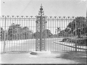 New Sydney University gates and lodge