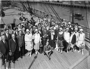 Sir Benjamin Fuller with the Gonsalez Opera Company arriving by ship for the Fuller's Circuit