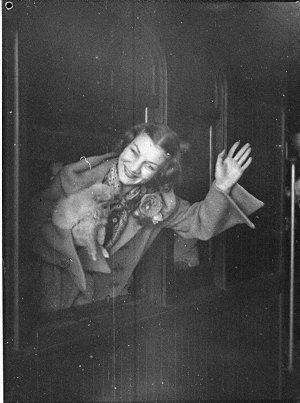 Arrival of Russian Ballet from Brisbane for return season (taken for J.C. Williamson)