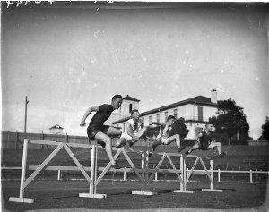 220 yards hurdles