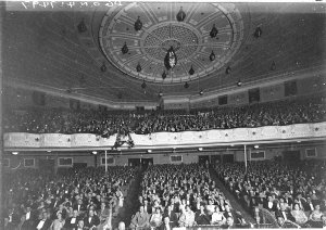 """Audience [for the opening night of """"Sunny"""" ?], Empire Theatre"""