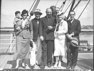 Arrivals by Mariposa: Zane Grey & party, Lillian Pertka, Harry Langdon, Mr & Mrs Goddard, Mr & Mrs Cecil Marks, Mr Keene