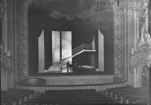 State Theatre, presentation of Peter Dawson