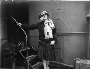 Star singer of the Fuller-Gonsalez Opera Company arriving in Sydney