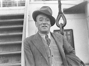 "Ship arrival of Bill Szarka, ""King of Newtown"""