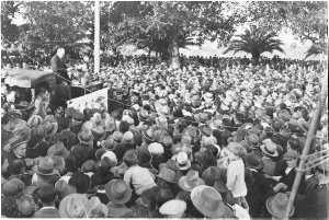 Huge crowds listen to Jack Lang speech, Moore Park