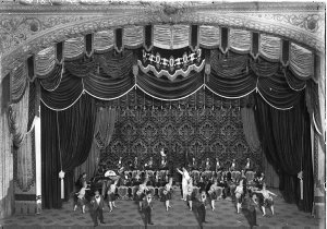 Band with ballet, Montmartre set