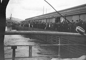 Item 204: Leaving the wharf, Hobart / photograph by Percy Gray