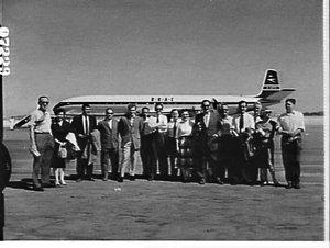 Passengers of the first BOAC Comet 4 Sydney-London flight, Mascot