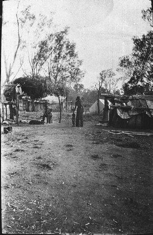 """Aboriginal camp at """"Tongy"""" - QLD"""