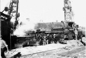 Lifting steam locomotive no.3504 on to track. Aberdeen Rail Station 26 June 1926 - Aberdeen, NSW