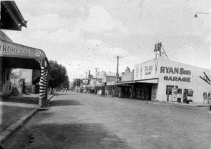View of town: John Street looking north from Elizabeth St - Singleton, NSW