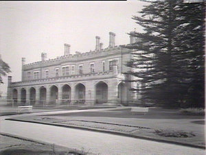 Government House, Sydney: diagonal view