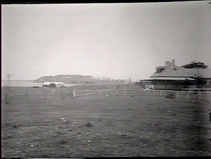 Greenwell Point showing hotel