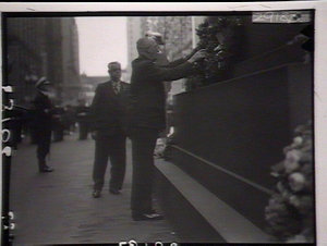 Cenotaph: governor laying wreath