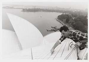 Collection 01: Directors, managers, performers and workers at the Sydney Opera House, 1997-1998 / photographed by Robert McFarlane