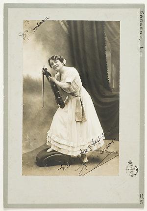Lottie Sargent, comic actor, ca. 1915-1920 / Hemus Sarony, Christchurch