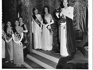 Miss New South Wales 1965 chosen at David Jones store