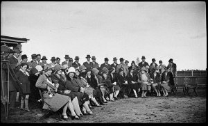 """Crowds posed at the presentation of the Avro Avian G-AUHK """"The Rouseabout"""" to the Aero Club, Mascot"""