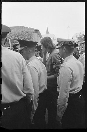 Item 429: Tribune negatives including demonstration by students and members of S.O.S. (Save Our Sons) supporting anti-conscription, 1969?
