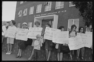 Item 626: Tribune negatives including demonstration about workers' accident pay, 1971