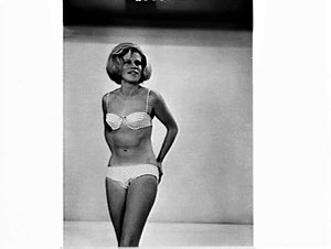APA studio photographs of women's casual, beach and swimwear fashion from Surfers Paradise