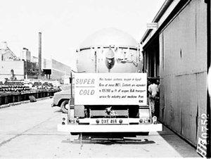 CIG liquid oxygen bulk supply truck