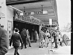 Crowds outside the Century Theatre 1962 for the film Gigot