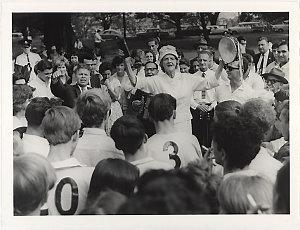 Sydney Domain, 1964-1971 / photographed by Raymond de Berquelle