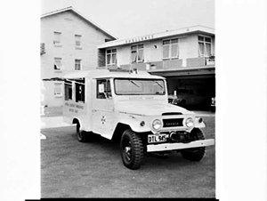 Toyota land cruiser Central District Ambulance Rescue Unit, Narrabeen Ambulance Station