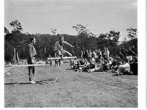 Percy Cerutty conducts an athletics seminar on running and hurdling, Narrabeen Fitness Camp