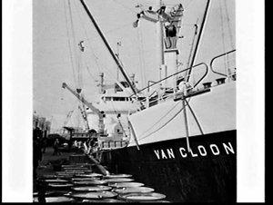 Loading Thiess Toyota tiptruck onto the ship Van Cloon for Borneo, Circular Quay