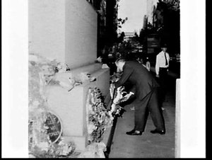 Rural Bank staff lay a wreath on the Cenotaph for Anzac Day 1968