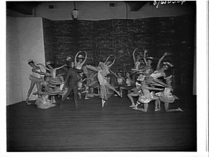 Carolyn Hickson's ballet class, Hurstville