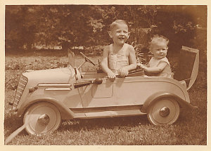 Hood Collection part II : [Children in groups and with adults, social functions, etc.]