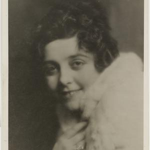 J.C. Williamson photographs : musicals, opera, early performers, women performers