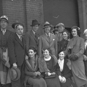 """Gus Bluett and the cast of J.C. Williamson's musical """"Nice goings on"""" arrive at Central from Melbourne"""