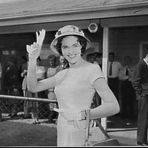 Miss Australia 1957 farewelled at Mascot