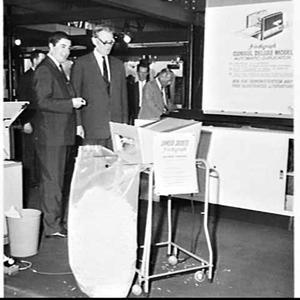 British High Commissioner Sir Charles Johnston visits Trade Fair, Sydney Showground